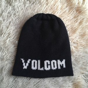Volcom boys beanie hat black and white